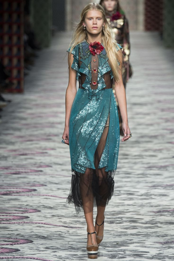 Spring 2016 Gucci.  Please like http://www.facebook.com/RagDollMagazine and follow Rag Doll on pinterest and  @RagDollMagBlog @priscillacita https://www.bloglovin.com/blogs/rag-doll-13744543 subscribe to https://www.youtube.com/channel/UC-CB-g60FwQ4U1sJ3ur-Bug/feed?