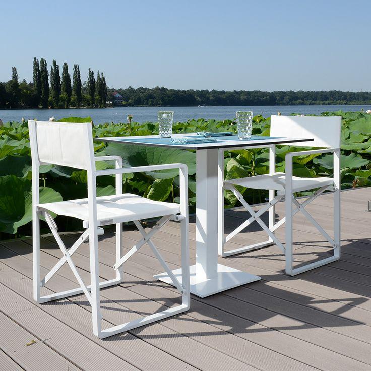 Set 2 scaune regizor și masa Artimes/Basic. Scaunul este realizat din aluminiu și textilină, iar masa din oțel și HPL (blatul). #mobexpert #reduceri #terasasigradina