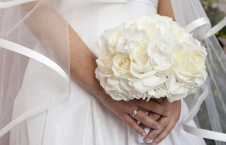 #bouquet Ortensie e rose bianche