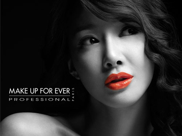 Leesiyoung ad campaign for makeupforeverSplashes Photography, Photos Ideas, Colors Photos, Colors Photography, Selection Focus Photography, Black White, Red Photography, Colors Splashes, Photography Ideas