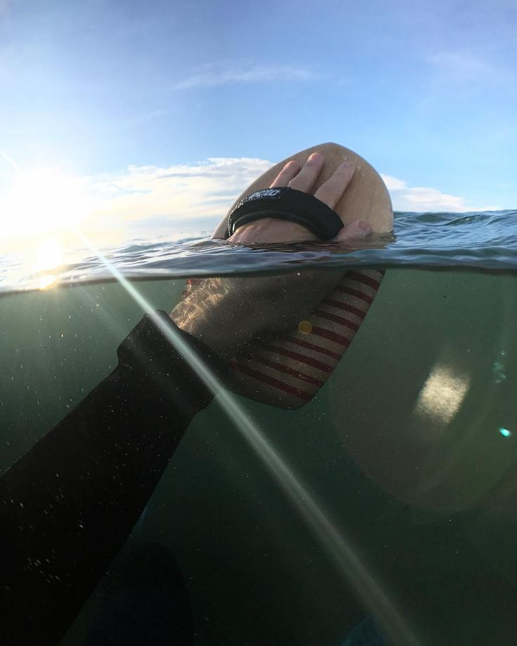 Energising winter weekends bodysurfs!  #dawnpatrol #woodisgood - - - RADDADS code - 10% off everything at ectohandplanes for #fathersday and as always FREE shipping  - - #bodysurf  #bodysurfing  #ectoprowood  #timberhandplane #woodhandplane  #woodenhandplane  #handboard  #ectohandplanes  @ectohandplanes Shot on #iphone7 using the @axisgo @aquatech_imagingsolutions
