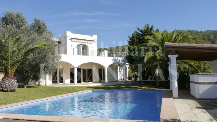 Ref. 268: In Las Salinas is this spacious light and bright villa in a very quiet location close to the beach!