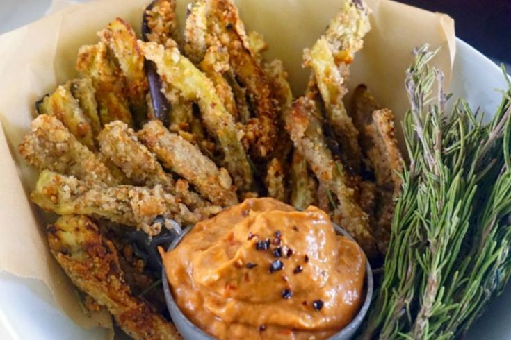<p>Healthy fries paired with dairy-free, smoky, chipotle aioli will have everyone clamoring for more.</p>