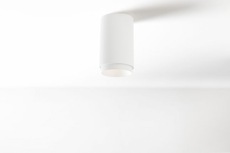 In 2012, we launched #Smart, a diverse family of spotlights with cutting-edge technology encased in a typical Modular design. Its gently sloping sides ensure a soft distribution of light. Concretely this means that the luminaires consist of a light source (LED, halogen), which can be combined with one of three trims to suit your needs. The spotlights can now be combined with a mask, surface box or surface tubed to form the perfect solution for any interior. #surface #kup #supermodular