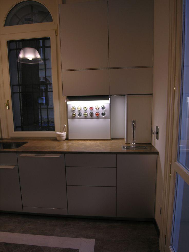 Kitchen Bulthaup B3Alluminium  and PERSIAN -TRAVERTINO  design by Lauro Ghedini