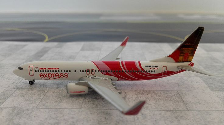 """Air India Express Boeing 737-800 with """"India Gate"""" tail (Hogan) ... and """"Gateway of India"""" on the other side of the tail (see the other pic)"""