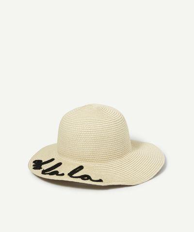 LE CHAPEAU AVEC MESSAGE BRODÉ : Tendance ce chapeau avec écriture brodée ! Votre fille va pouvoir le porter en tout décontraction ! LE CHAPEAU, bord large, broderies.