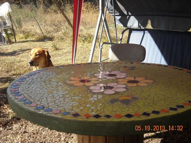 Mi mesa de mosaico realizada en un carrete de madera - Mosaico de madera ...