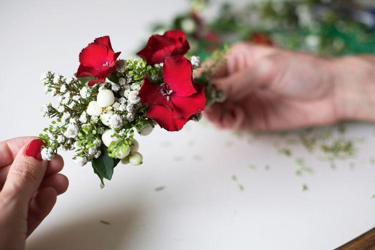 Do it yourself: Un tocado con flores frescas + CHECOSA?, BELLEZA - Checosa