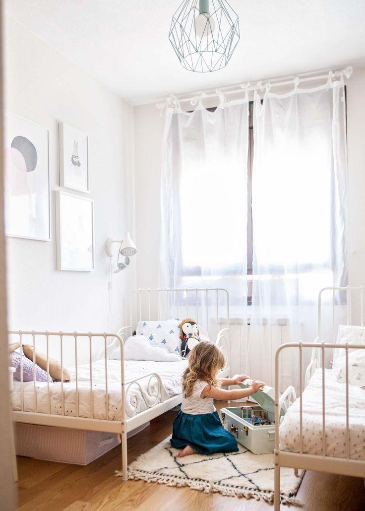 La habitación de Sofía y Olivia - Habitación infantil compartida