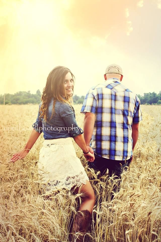 Country Engagement photos! - love her outfit, will remember for me and Treis :)