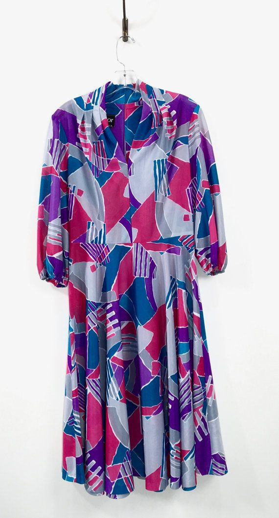 Vintage 1970s day dress vibrant abstract by 86CharlotteStreet