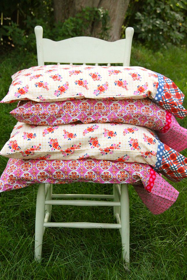 French Seam Pillowcase Set in Under 30 Minutes-Tutorial - Smashed Peas & Carrots