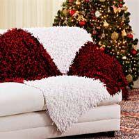Receita de uma manta de sofá, toda em tricô, feita com o fio cisne shok. Apesar de as cores serem de Natal, vale a ideia, que tal trocarmos as cores?