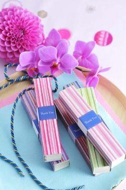 ふたりらしさがキラリ☆センスが光るおもてなし。 Gift to the guest. Flowers and incense.