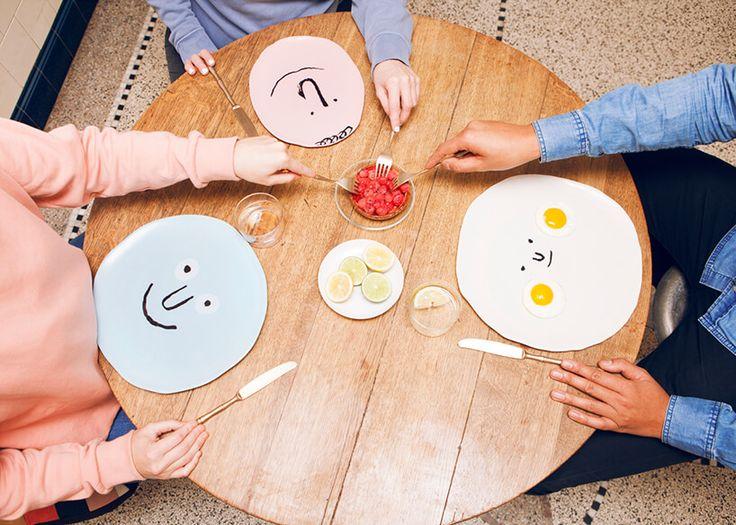 Porseleinen borden met grappige gezichten via @mixedgrill