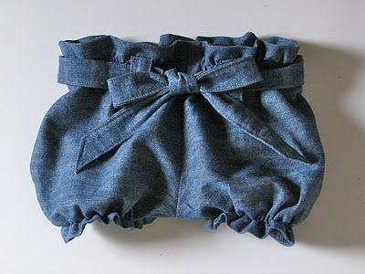 paper bag shorts tutorial from homestitched - would go perfect with any of the blue leftover linen