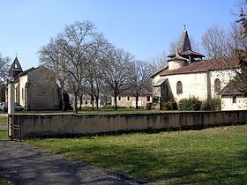 Les deux églises de Moustey, Landes France -  l'église Notre-Dame et l'église Saint-Martin