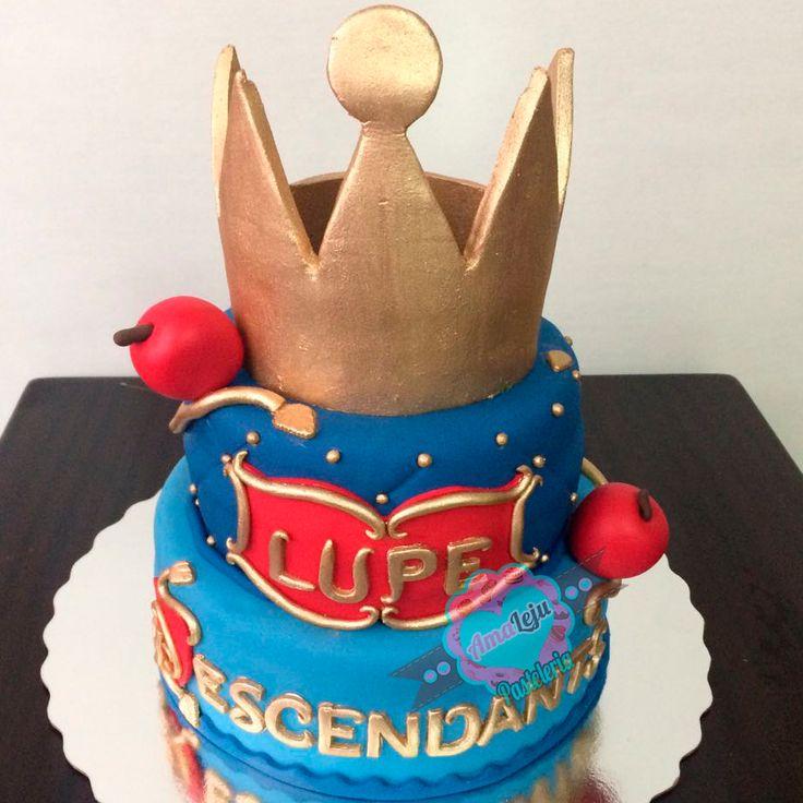 Torta Descendientes Realiza tu pedido por; https://goo.gl/mvYBYv WhatsApp: 3058556189, fijo 8374484  correo info@amaleju.com.co Síguenos en Twitter: @amaleju / Instagram: AmaLeju #descendientes #torta