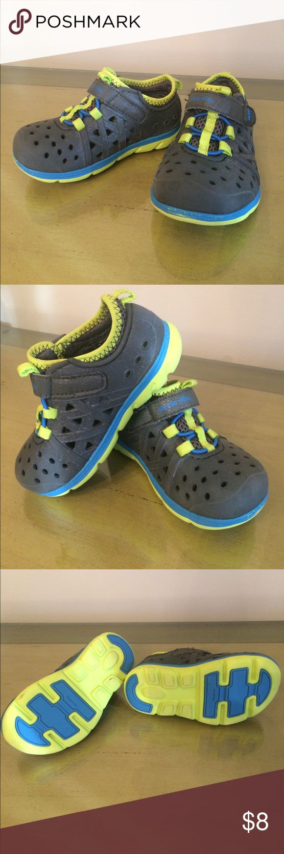 Kids Water Amphibian Shoes Stride Rite Kids Water Amphibian Shoes gently worn and washed. Still have more life in them! Stride Rite Shoes Water Shoes