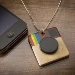 Make a necklace to celebrate your love of Instagram - really easy.