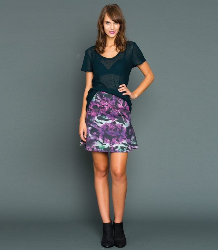 Our Print Flip Skirt is made from 96% Cotton and 4% Elastane for added comfort. It is the perfect skirt to take you from the office to drinks after work. It features a fitted front and back panel with cute flippy side panels which gives a feminine edge, a invisible zip at the centre back and fitted waistband.