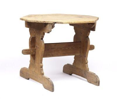 Bockbord av furu från 1600-talet.