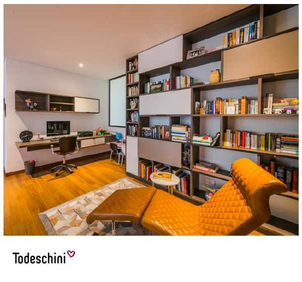 Home office con espacio que los niños estudien mientras los padres trabajan.  #Diseñodeinteriores #Decoración #Todeschini #ambientes #mueblesamedida #homeoffice