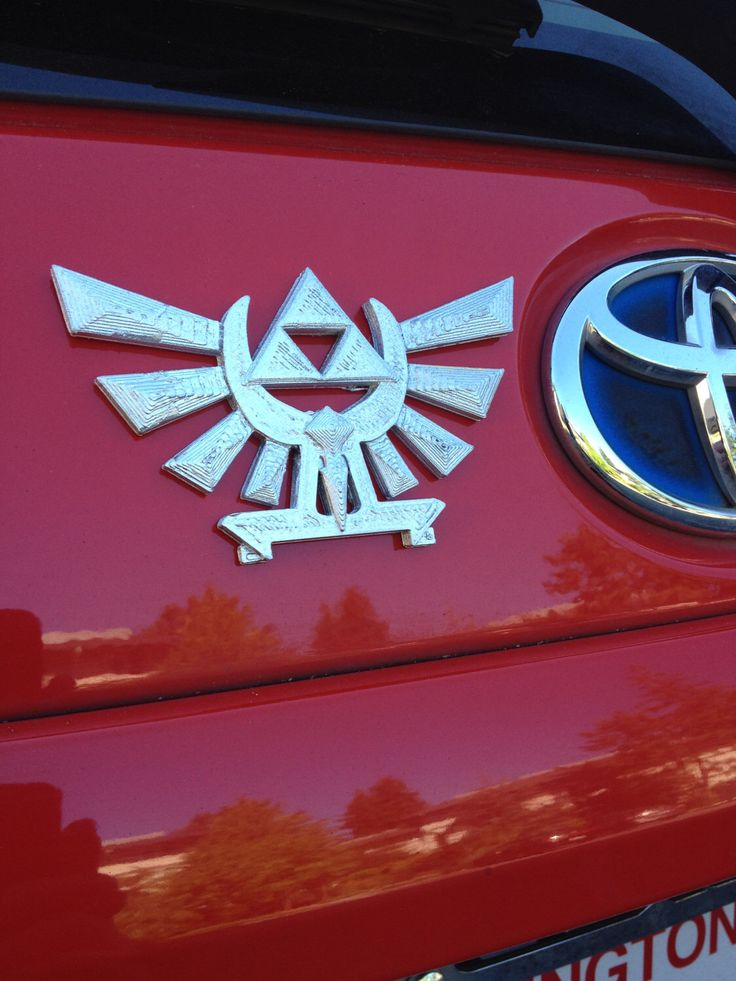 Fanart 3d printed silver zelda hyrule crest triforce car decal logo magnet great gift for nerd girl