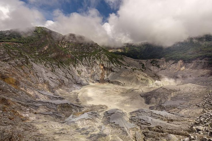 #Bandung is also called Paris of Java. The #Tangkubanperahu is a great day trip to #Lembang. #WonderfulIndonesia #VisitIndonesia For the story see site in bio for full post ------------------------------------------- Palau is a tropical paradise island nation in the Pacific. Its an awesome place and I think its a must to stay in a luxury hotel. Palau Royal Resort offers its guest a luxurious stay on Palau. I stayed for three nights together with my son; I can say theyre family friendly too…