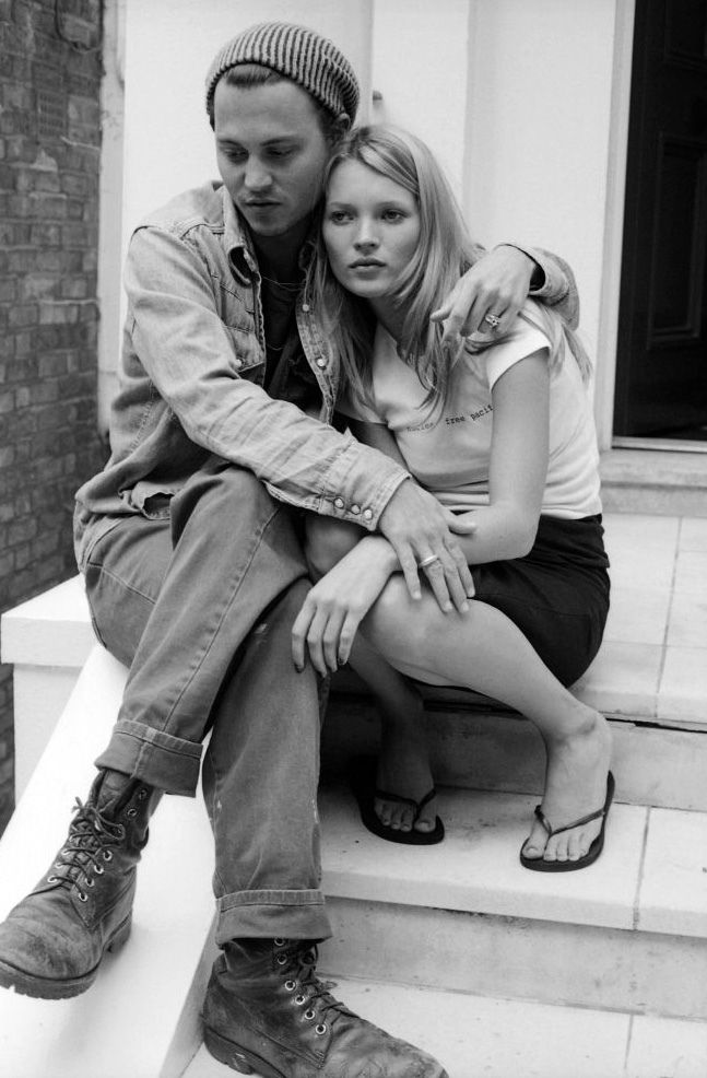 Johnny Depp with Kate Moss (photo by Linda McCartney)