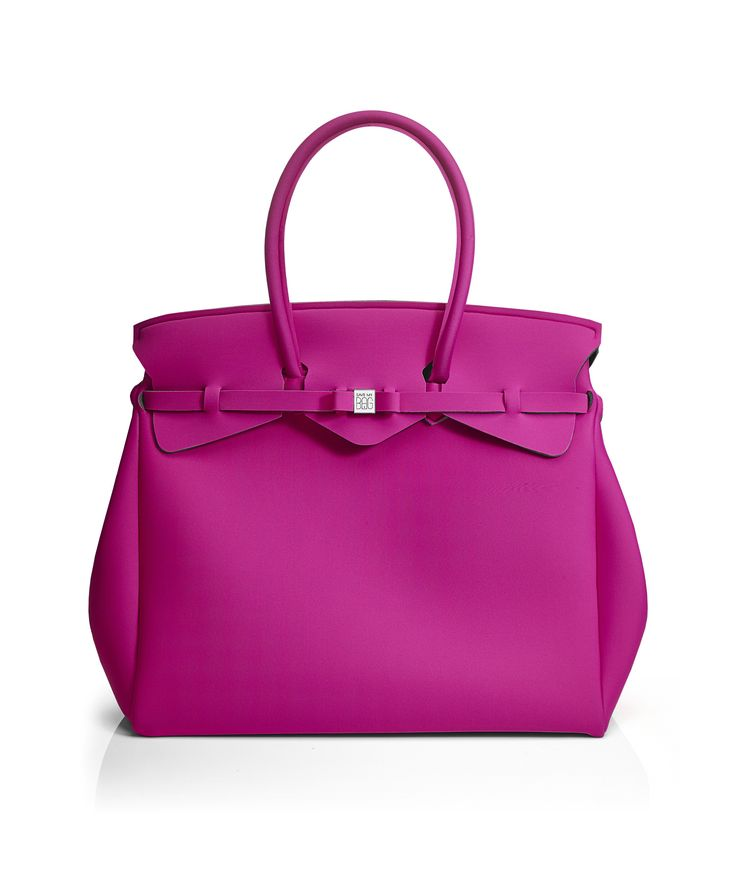 The Miss Weekender is your go-to bag for the perfect weekend away! This versatile tote transitions to a gym, beach or baby bag and is perfect for the jet-set who want to travel in style.  Size  440 x 400 x 200 mm  614g  Made in Italy  Vegan Friendly  Made from Poly-Lycra Fabric   Hot Pink