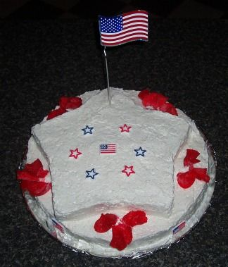What is Independence Day? The 4th of July is the United States independence. It is celebrated with festive food like this blueberry cake decorated with our countries flag.