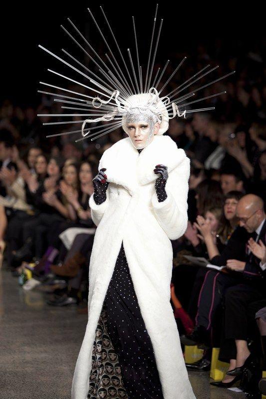 NZ Next Top Model  finalist Bianca Cutts #nzfw #runway
