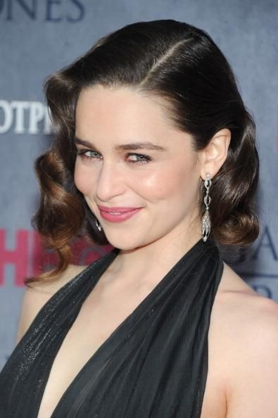 Emilia Clarke Loathes Fame? 'Terminator' Actress Claims She Wants 'To Be Invisible' - http://imkpop.com/emilia-clarke-loathes-fame-terminator-actress-claims-she-wants-to-be-invisible/