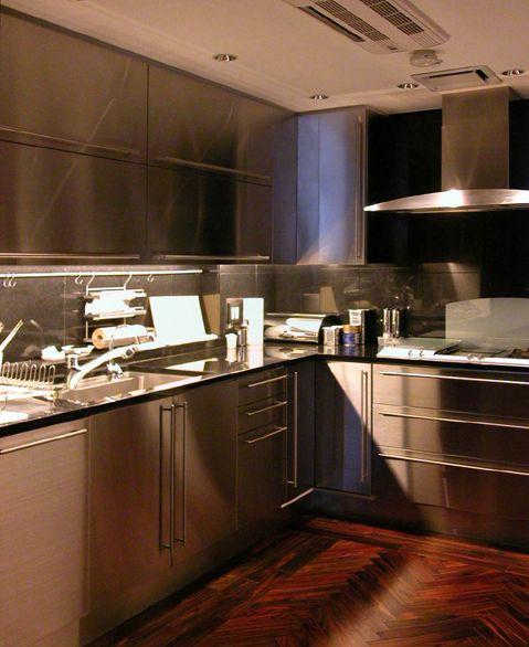 ステンレス製キッチンリフォーム高輪M邸:カガミ・デザインリフォーム