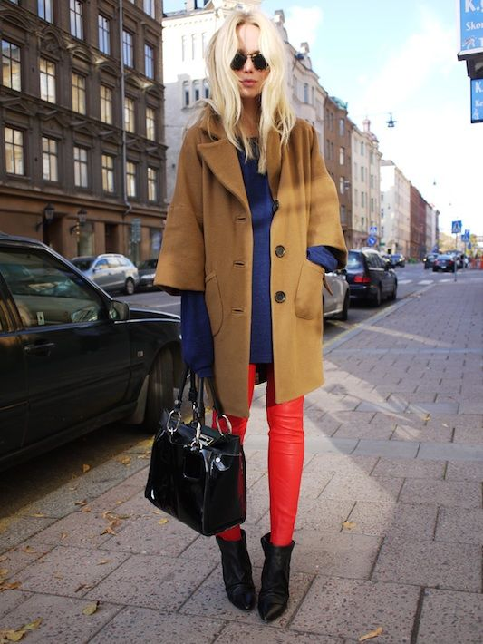 : Colors Combos, Blue, Street Style, Elinkling, Camels Coats, Leather Pants, Red Leather, Red Pants, Elin Kling