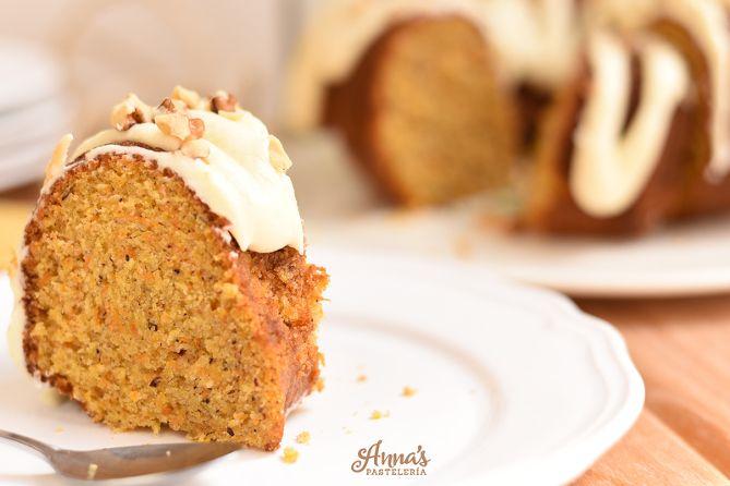 La mejor y más fácil receta de torta de zanahoria que he probado!!! de Annas Pasteleria - Best carrot cake recipe EVER from annaspasteleria.com