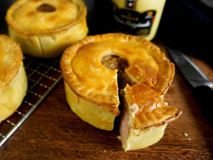 English meat pies