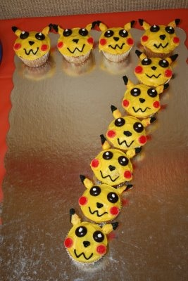 Aternative to birthday cake: Pokemon Cupcakes arranged in the shape of a number -from thecarvercrew.blogspot.com.au