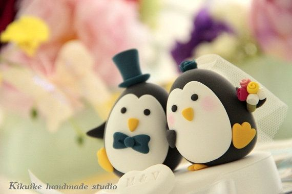 Penguin wedding cake topper  kikuike on etsy.comWedding Cake Toppers, Cake Ideas, Cake Toppers Lov, Wedding Cakes, Toppers Lov Penguins, Topperlov Penguins, Penguins Ideas, Penguins Cake, Cake Topperlov
