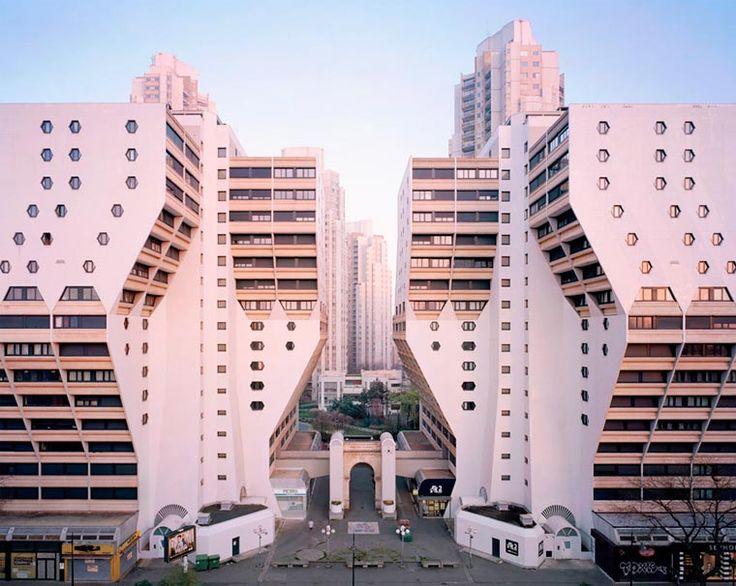 Ces vieux bâtiments rétrofuturistes de Paris