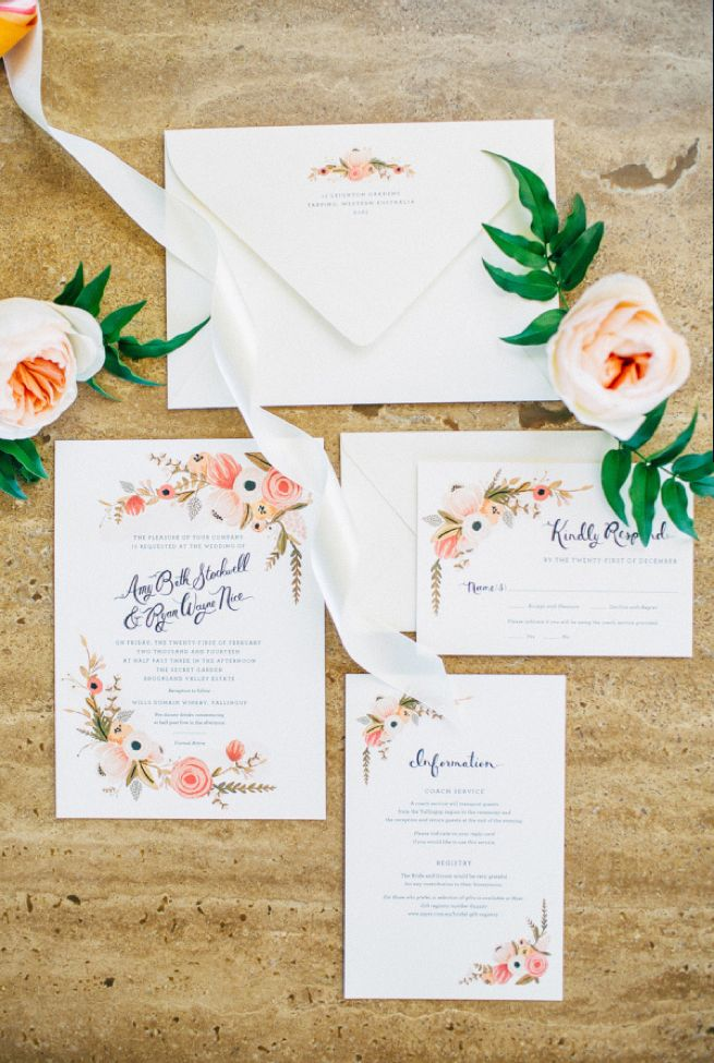 Convite de casamento flores de jardim.