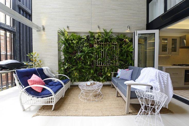 Outdoor terrace Ayden and Jess