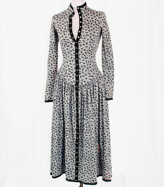 1980s BETSEY JOHNSON Snap-front DRESS