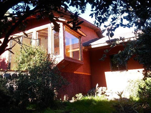 HERMOSA Y GRAN PARCELA; Muy cerca de Orilla de camino (5 cuadras hacia la cordillera). Hermosa cabaña (75mtrs.), 2 amplios dormitorios con closet, luminosos, living/comedor y cocina americana en hall, bosca, Hermosa Vista a los lindos parajes de el e