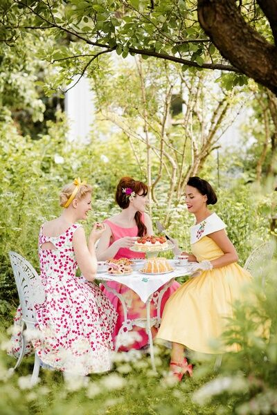 I want to have a tea party. I want to wear a 50's dress. I want to wear white silky gloves. I was born in the wrong time era!!