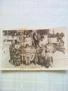 Ο παππούς μου με την γιαγιάμου και τα εγγόνια τους 1951.