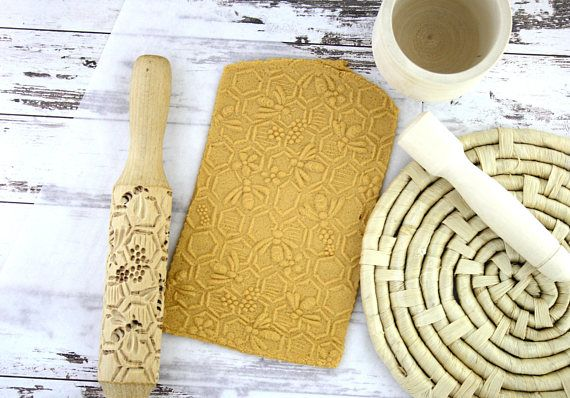 Wood Rolling Pin Bees Ceramic Clay Tools Bake Cookies Stamp