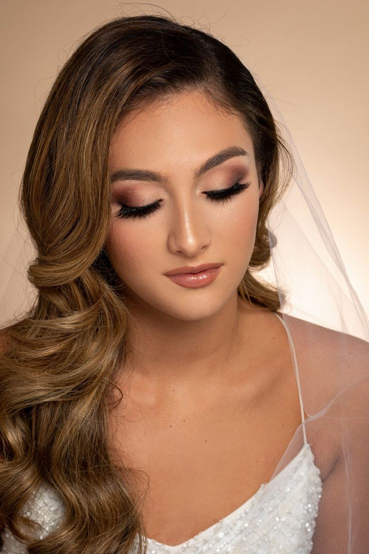 Iconic® 1 Pack in 2020 Bride makeup, Prom makeup looks